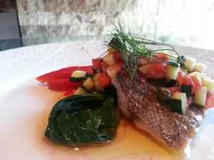 ・イサキのポワレ 夏野菜のビネグレットソースで